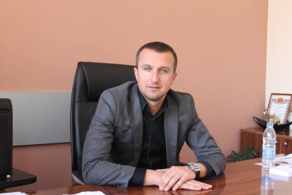 Кметът на Белица въведе вечерен час за непълнолетните