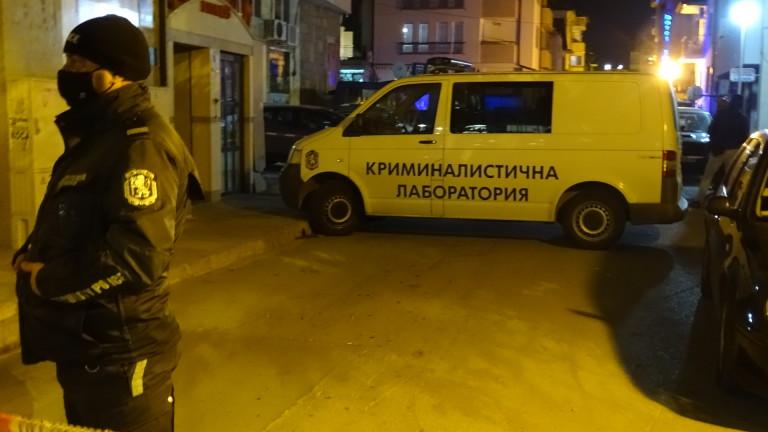 Сандански се сбогува с убитите от майка си братче и сестриче