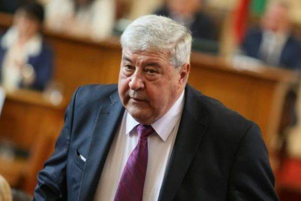 Извънредно! Депутатът от ГЕРБ Спас Гърневски е в болница с коронавирус