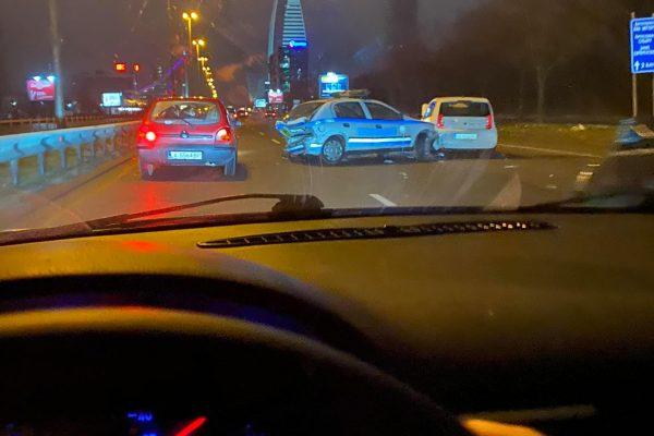 Зрелищна верижна катастрофа в София, полицейски автомобил е смлян