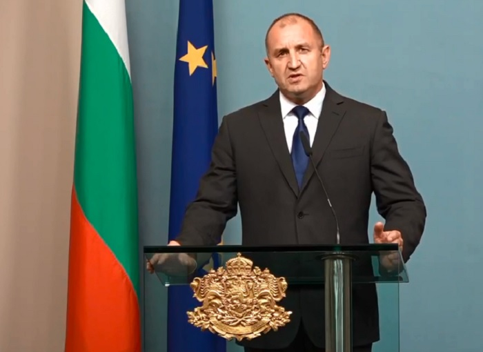 Парламентарните избори ще са на 28 март, категоричен е Радев