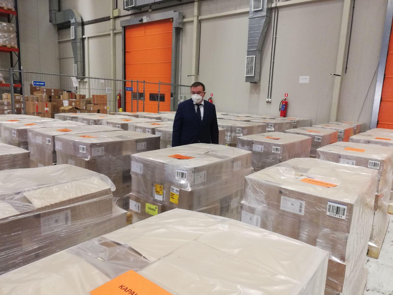 300 000 дози нискомолекулярен хепарин пристигнаха в България